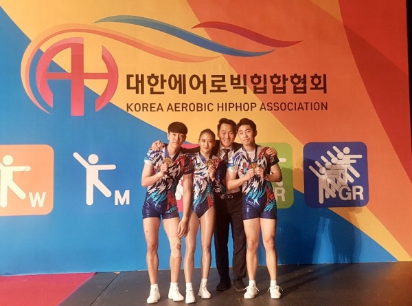 제 100회 전국체전 3인조 부문에서 입상한 서동우 선수(왼)
